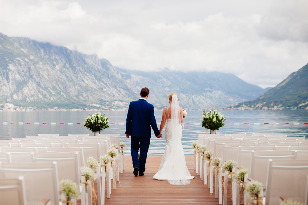 How A Destination Wedding Can Save You Money